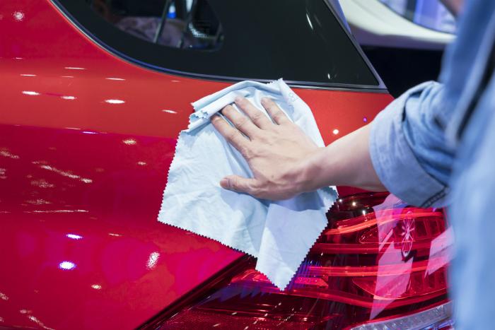 Detaling car